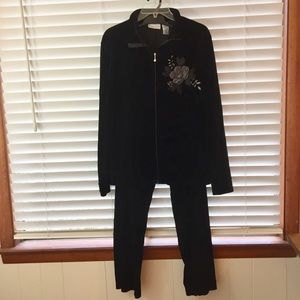 Jaclyn Smith Casual Suit